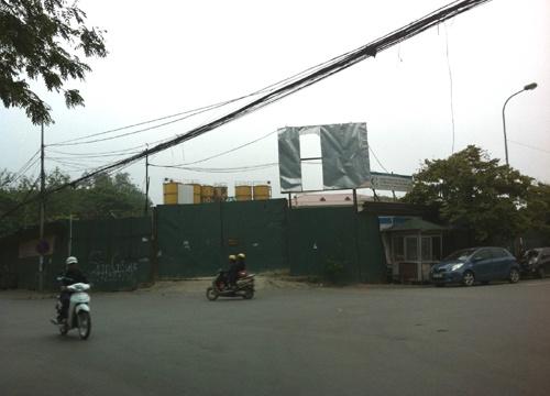Cổng dự án chung cư B6 Giảng Võ