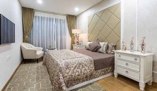 Phòng ngủ tại biệt thự Vinhomes Thăng Long được thiết kế sang trọng.