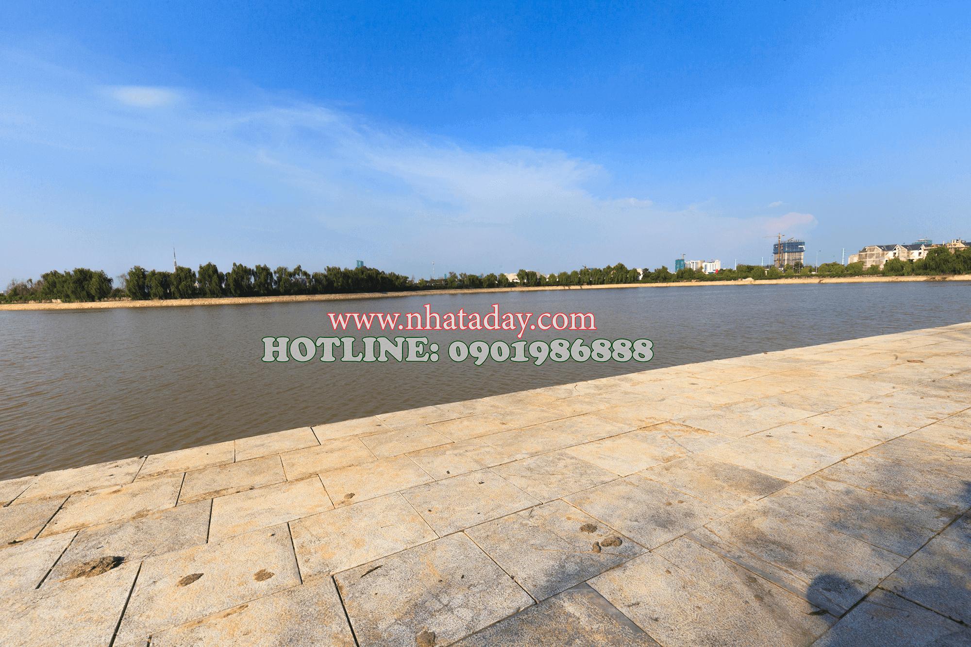 Hồ Bách Hợp Thủy rộng 12 hecta